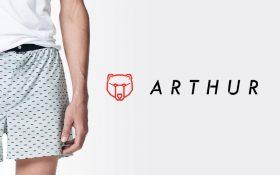 Zee Agency rhabille la culottée et impertinente marque Arthur